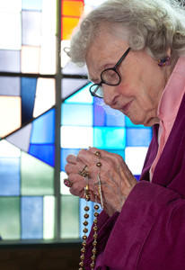 praying-grandma